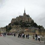 """la """"passerella"""" terminale che porta a Le Mont St. Michel"""
