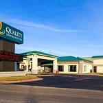 Quality Inn & Suites Moline – Quad Cities