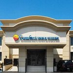 Comfort Inn & Suites hotel in Paramus, NJ
