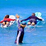 صورة فوتوغرافية لـ Maui Surfer Girls