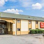Econo Lodge Inn & Suites Matthews – Charlotte