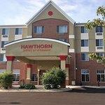 Hawthorn Suites by Wyndham Madison Fitchburg