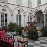 Photo de Hotel Simon