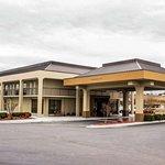 Quality Inn hotel in Roanoke Rapids NC