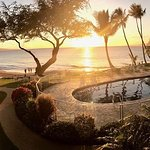 Pool and grounds at sunset. Guest photo courtesy @chiefshk.