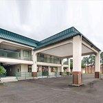 Rodeway Inn & Suites Hwy 290 NW