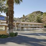 Travelodge by Wyndham Cathedral City