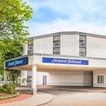 Howard Johnson by Wyndham Kitchener Conestoga