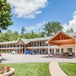 Howard Johnson by Wyndham Traverse City