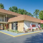 Econo Lodge Parkway / Historic Area