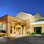 Quality Inn & Suites Indianapolis South