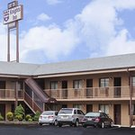Knights Inn South Amboy/Garden State Parkway South Exit 125