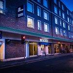 绸缎商酒店