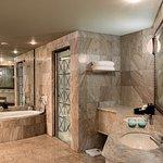 Windhoek Suite Bathroom