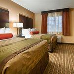 Deluxe 2 Queen Suite Bedroom
