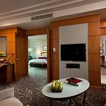 Pacific King Suite