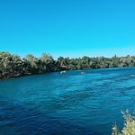 صورة فوتوغرافية لـ Sacramento River
