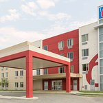 Motel 6 Airdrie AB
