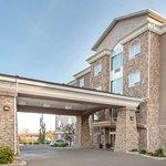 Ramada by Wyndham Drumheller Hotel & Suites