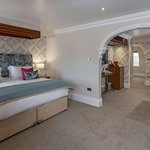 moores central hotel bedrooms