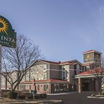 La Quinta Inn & Suites Kansas City Airport