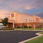 Hampton Inn & Suites Moline-Quad City International Airport