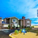 Days Inn by Wyndham Mesa East