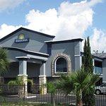 Days Inn by Wyndham Houston East