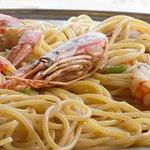 Γαριδομακαρονάδα /  Spaghetti with shrimps