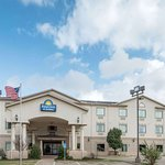 Days Inn & Suites by Wyndham Wichita Falls