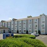 Microtel Inn & Suites by Wyndham Charleston South