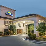 Days Inn by Wyndham Burlington East