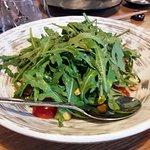 Салатик с помидорами чери