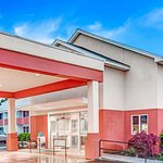 Days Hotel & Conference Center by Wyndham Methuen MA