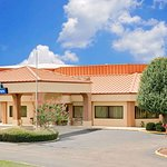 Days Inn by Wyndham Columbus