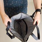 inside the bag: 3 pockets