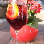 Sangria - среднеалкогольный летний напиток! Любите ли Вы его так же, как любим его мы?