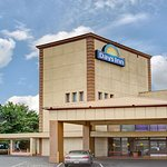 Days Inn by Wyndham Louisville Central Univ & Expo Center
