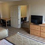 1 Bedroom Suite - 2 Queen Beds