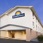 Days Inn by Wyndham Greenwood SC