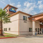Days Inn by Wyndham Dickinson TX