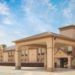 Days Inn & Suites by Wyndham Eunice