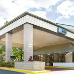 Days Inn by Wyndham Galleria-Birmingham