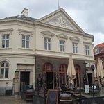 Cafe Banken midt i Assens