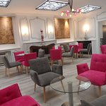 Kyriad Tours Centre bar lounge