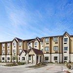 Microtel Inn & Suites by Wyndham Buda at Cabela's