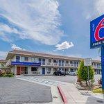 Motel 6 Bakersfield Airport