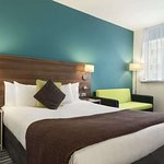 1 King 1 Sofa Bed Room