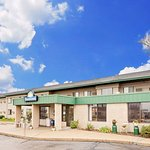 Days Inn by Wyndham Winona