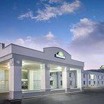 Days Inn by Wyndham Roanoke Near I-81
